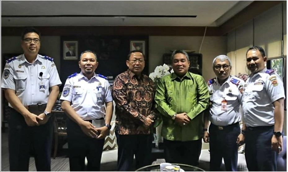 Walikota Banjarbaru Nadjmi Adhani, bersilaturrahmi dengan Dirjen Perhubungan Darat Kemenhub Republik Indonesia